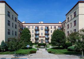 300 Ocean Ave, Ocean City, New Jersey 08226, 2 Bedrooms Bedrooms, 5 Rooms Rooms,1 BathroomBathrooms,Condominium,For Sale,Ocean Ave,528097