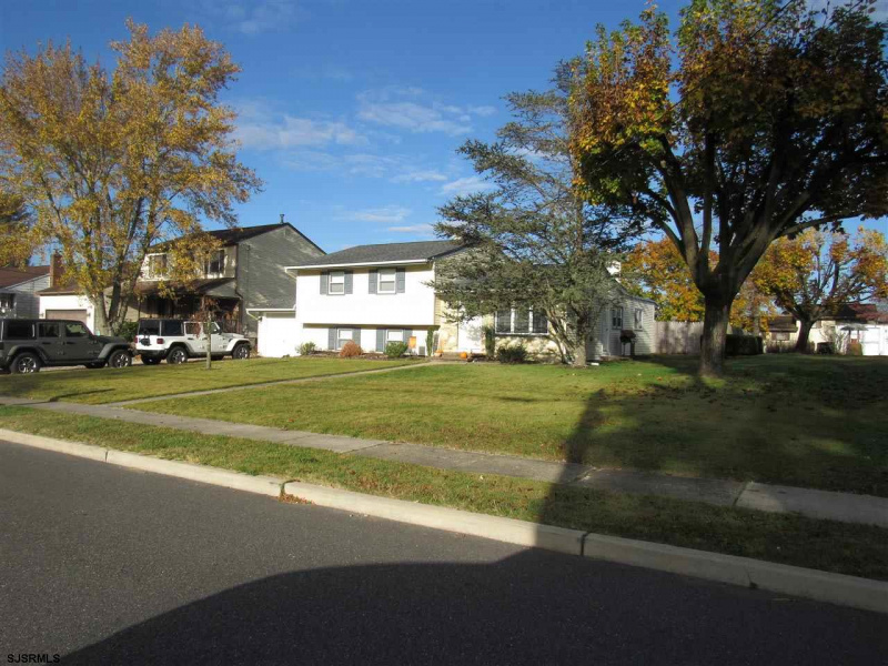 341 Lakeview Ave, Hammonton, New Jersey 08037, 5 Bedrooms Bedrooms, 10 Rooms Rooms,2 BathroomsBathrooms,Residential,For Sale,Lakeview Ave,544492
