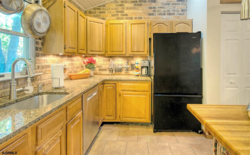 172 Leeds Point Rd, Galloway Township, New Jersey 08205, 3 Bedrooms Bedrooms, 6 Rooms Rooms,2 BathroomsBathrooms,Residential,For Sale,Leeds Point Rd,544493
