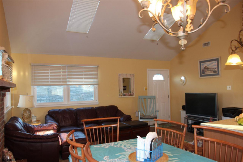 107 Ocean Rd, Ocean City, New Jersey 08226, ,Multi-family,For Sale,Ocean Rd,544507