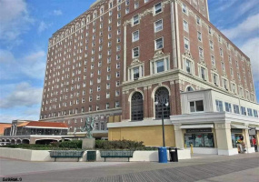 2721 Boardwalk, Atlantic City, New Jersey 08401, 1 Bedroom Bedrooms, 4 Rooms Rooms,1 BathroomBathrooms,Condominium,For Sale,Boardwalk,544440