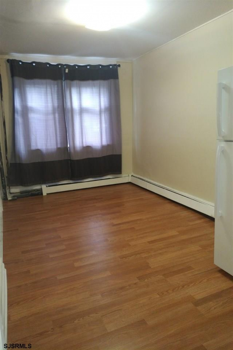1930 Grant, Atlantic City, New Jersey 08401, 3 Bedrooms Bedrooms, 6 Rooms Rooms,1 BathroomBathrooms,Residential,For Sale,Grant,544319