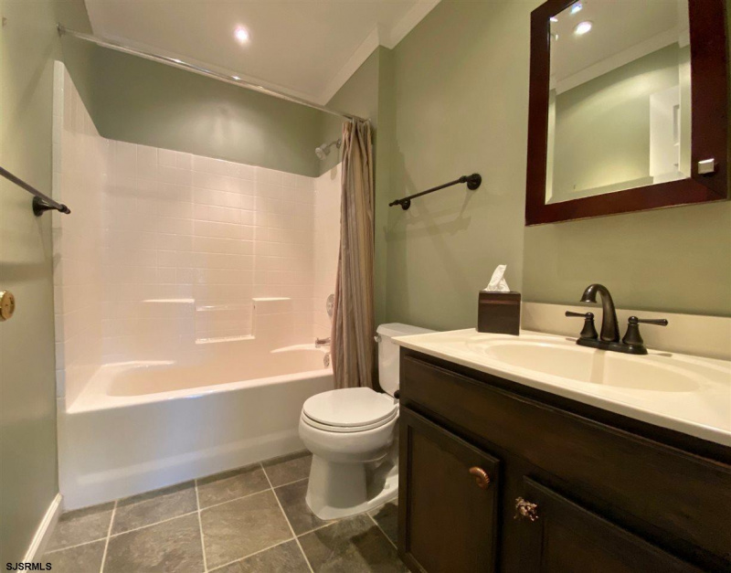 22 Clover Hill Cir, Egg Harbor Township, New Jersey 08234, 5 Bedrooms Bedrooms, 10 Rooms Rooms,3 BathroomsBathrooms,Residential,For Sale,Clover Hill Cir,544331